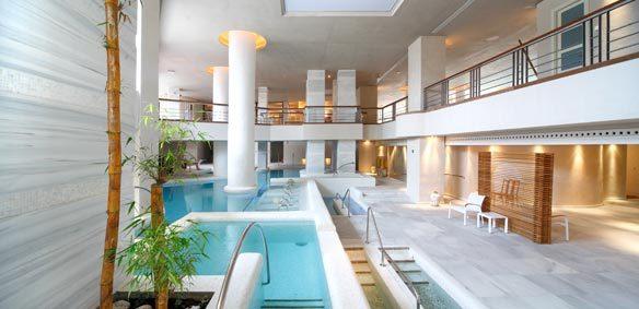 Where find parlors happy ending massage  in Chiclana de la Frontera, Spain