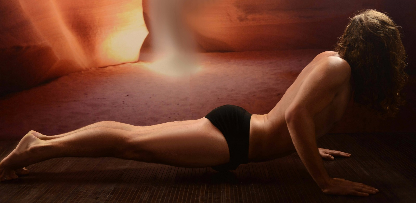 Phone numbers  of parlors erotic massage  in Valencia, Valencia