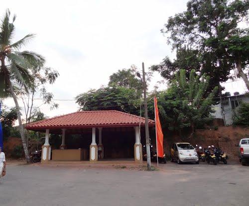 Where find parlors nude massage  in Moratuwa  (LK)