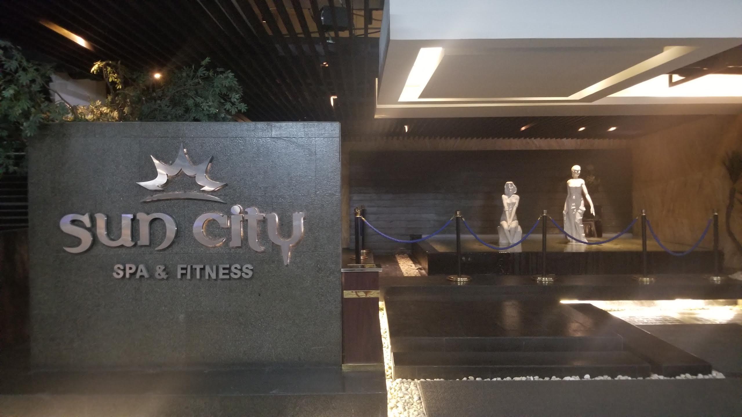Erotic massage in Sun City (US)
