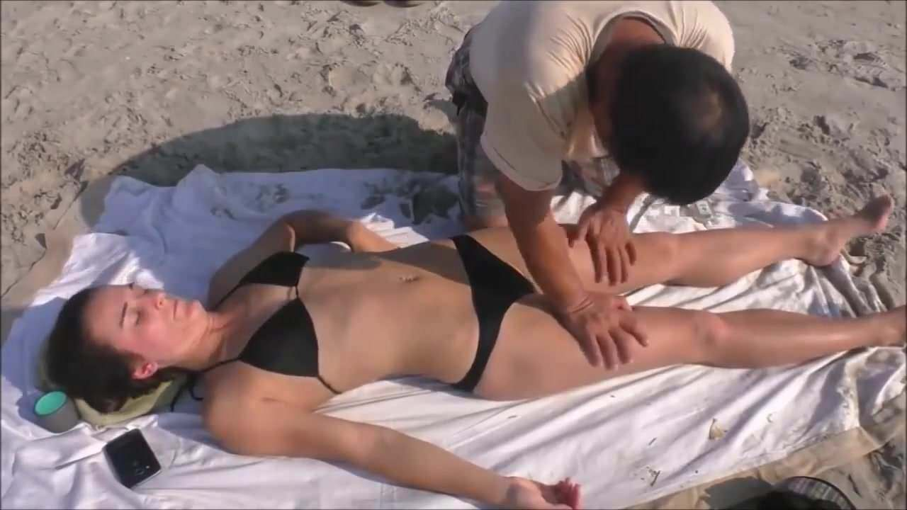 Telephones  of parlors nude massage  in Ha Dong  (VN)